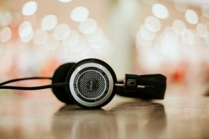 Open Back vs. Closed Back Headphones - What's The Difference?