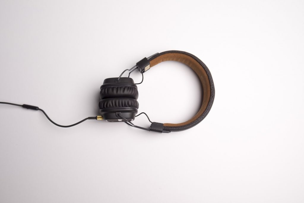 Headphone Buying Guide - How To Find The Right Pair
