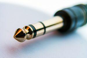 Headphone Jack Placement - Sennheiser HD 4.4 BT Review