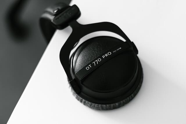 Beyerdynamic DT 770 Pro - What Is Headphone Clamp?