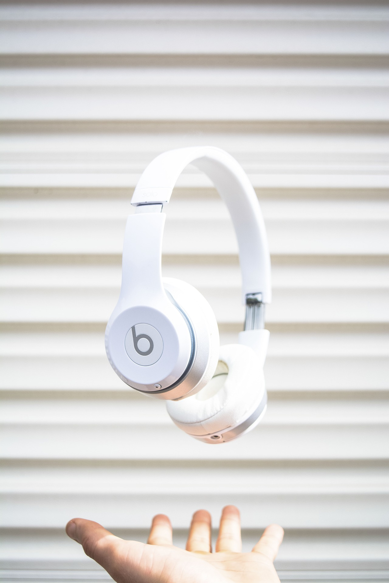 beats-solo-3-wireless-headphones-review
