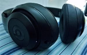 Beats Studio Wireless Over-Ear Headphone - A Peek Inside