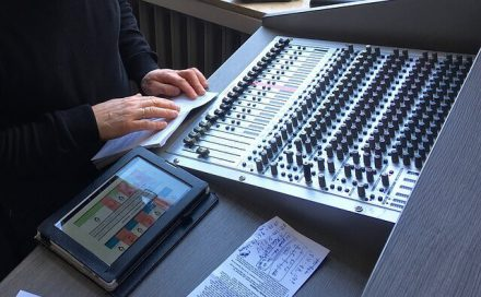 Recording Studio - Digital vs. Analog For Dummies