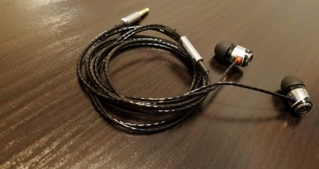 Slightly Braided Cable - SoundMagic E10 Review