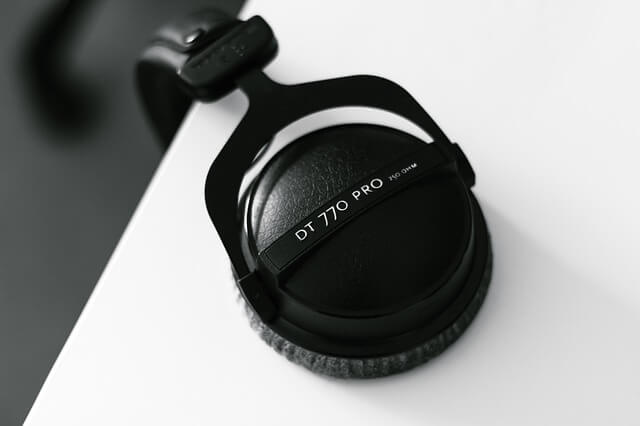 Beyerdynamic DT 770 Pro - What Is Headphone Clamp?